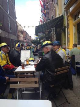 Swedish Fans Al Fresco at O'Sheas