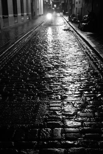 wet-cobbles
